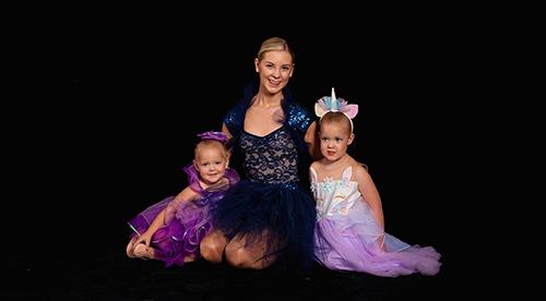 JE Dancehouse Three Ballerinas Sitting in Portrait